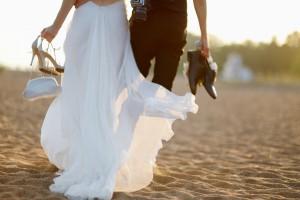 Couple marié sur la plage